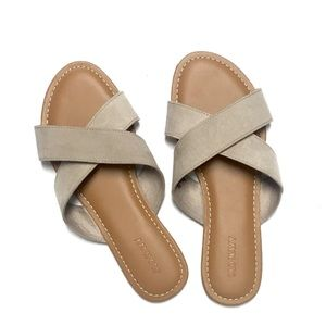 Old Navy Cross Sandal, 6